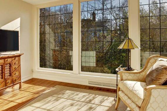 3 Quick Reasons You Should Add a Sunroom to Your House