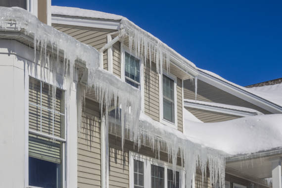 How to Defrost Your Roof: Ice Dam Removal Tips
